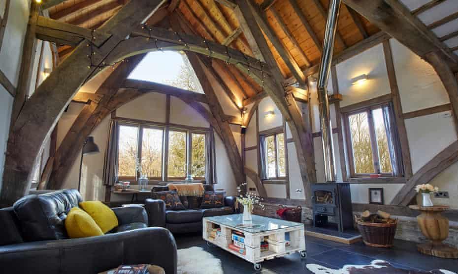 Cruckbarn sitting room, Herefordshire