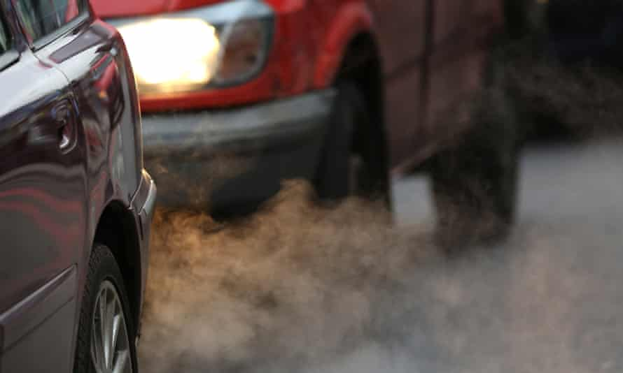Putney High Street in London breached annual limits for nitrogen dioxide early on 8 January