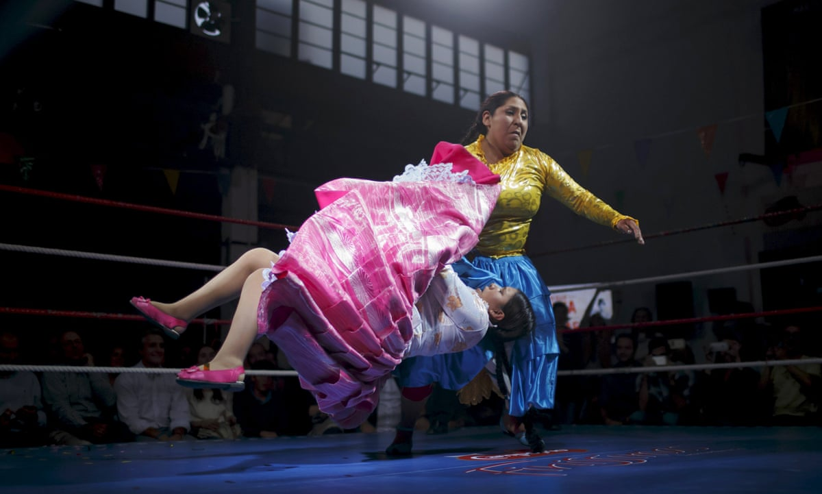 Bolivian Cholitas Wrestling In Pictures Art And Design