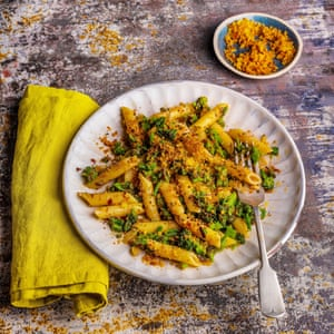 Broccoli, anchovy and chilli pasta with crunchy sourdough crumbs, by Blanche Vaughan. 20 best meals for one. Food stylist Polly Webb-Wilson.