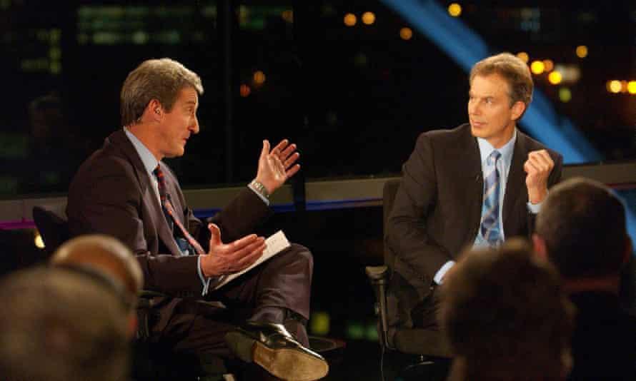 Paxman interviews Tony Blair on Newsnight in 2004.