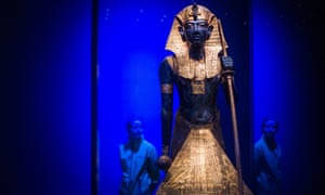A wooden guardian statue of Tutankhamun, which flanked the sealed entrance to his burial chamber.