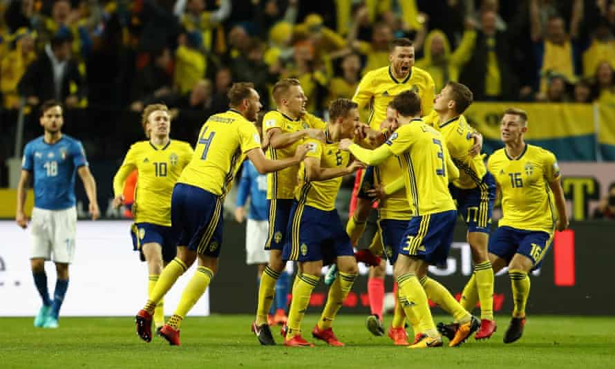 Sweden players celebrate their World Cup qualification.
