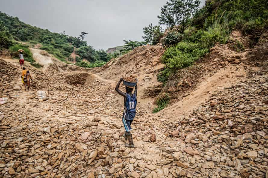 An artisanal gold miner in Kamituga.