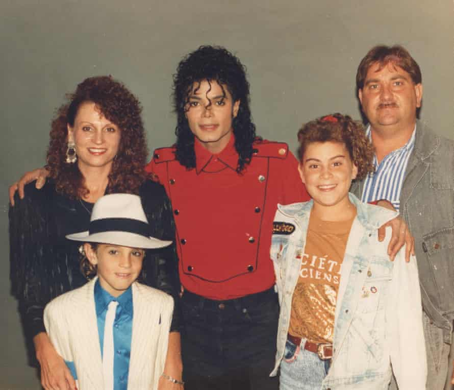 Michael Jackson with the Robsons in 1990.