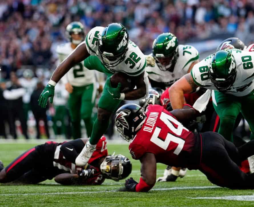 The Atlanta Falcons took on New York Jets at the Tottenham Hotspur Stadium on Sunday.