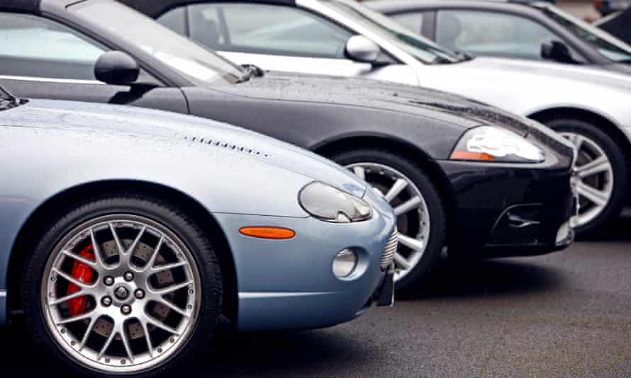The Financial Conduct Authority says car finance companies must offer a three-month payment freeze because of the coronavirus crisis.