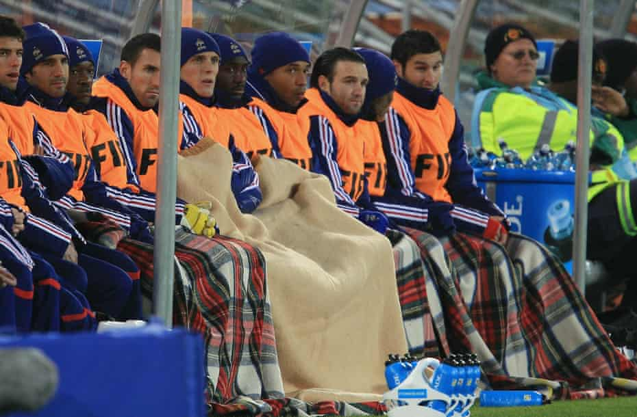 Thierry Henry and the bench under blankets against Mexico.