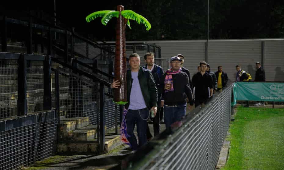 Dulwich Hamlet FC fans