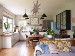 Mix it up: eras work together in a contemporary kitchen with a vintage French table from Newark antiques fair.