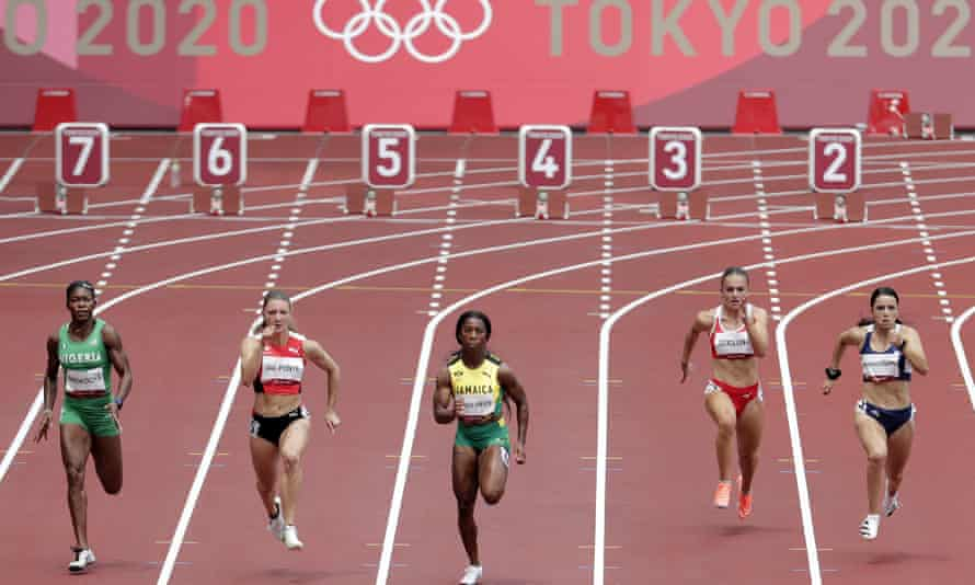 Shelly-Ann Fraser-Pryce leads the way in her 100m heat at the Olympic Stadium