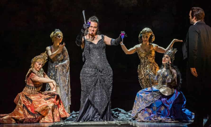 Seductive wit … Erwin Schrott (centre) as Méphistophélès in Gounod's Faust at the Royal Opera House, London. Directed by David McVicar. Conducted by Dan Ettinger.