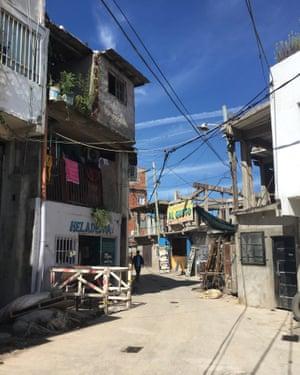 Cables hang across Villa 31