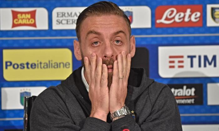 Daniele De Rossi feels the strain.