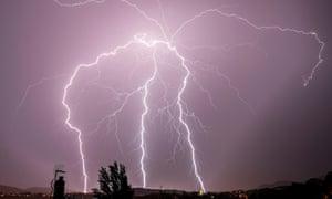 Lightning in San Sebastián during the storm on Monday.