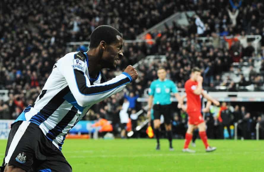 Georginio Wijnaldum of Newcastle United celebrates scoring the opening goal of the game against Liverpool at St. James' Park.