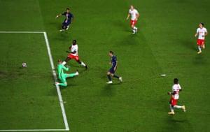 Di Maria scores PSG's second goal.