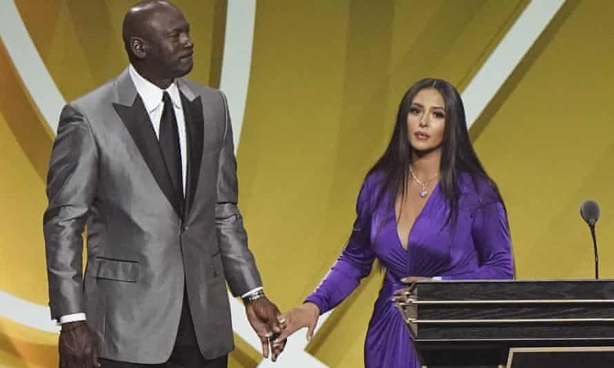 Michael Jordan accompanied Vanessa Bryant on to stage for Saturday's ceremony