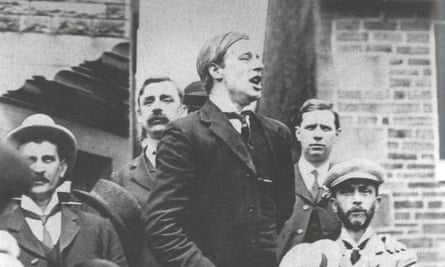 Victor Grayson outside the Dartmouth Arms in Slaithwaite, Yorkshire, moments after his election victory in 1907.