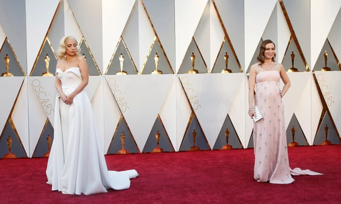 Emily Blunt and Lady Gaga look stunning in their dress - Oscars 2016 Image-Picture