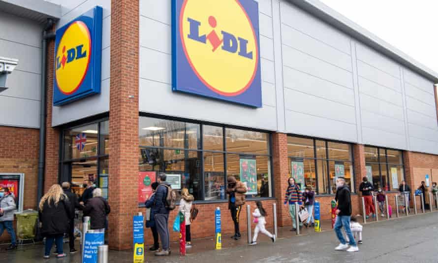 Lidl supermarket queue