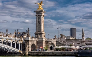 France, 7th arrondissement of Paris, Pont Alexandre III and barge of the Bistrot Alexandre III on the banks of the Seine promenade