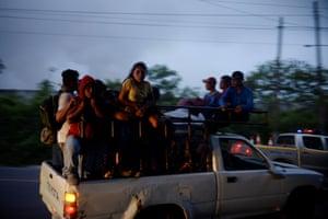 Residents evacuate El Rodeo