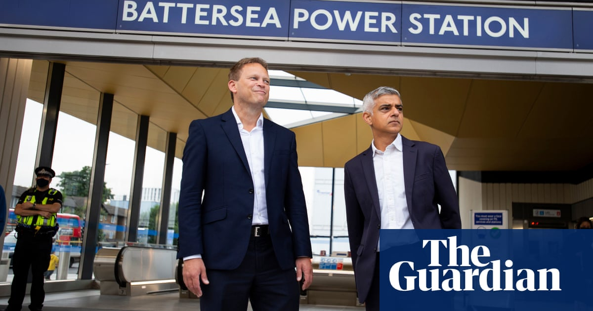 Khan and Shapps try to put differences aside as Northern line extension opens