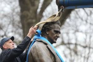 Estatua de la ciudad de Nueva York de James Marion Sims, que fue reubicada en 2018.