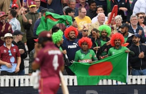Fans react to Shai Hope off after his dismissal.