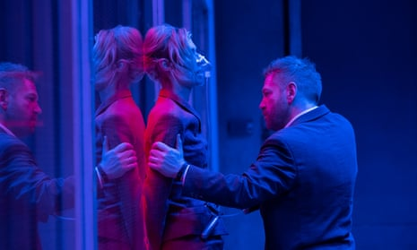 Elizabeth Debicki and Kenneth Branagh in Tenet.