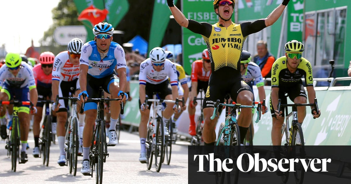 Dylan Groenewegen snatches sprint finish win on Tour of Britain stage one