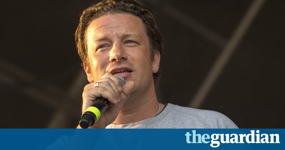 Jamie Oliver condemns Theresa May for scrapping free lunches