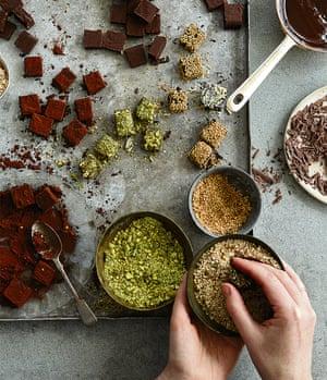 Salted chocolate truffles: a Christmas idea already...
