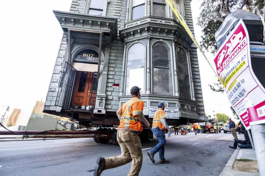 The process of house-moving hasn't changed much over the decades, Glass says.
