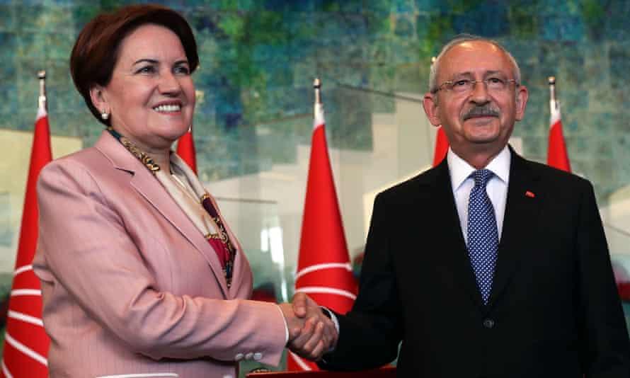 Meral Akşener, the leader of the İyi party, and Kemal Kılıçdaroğlu, chair of Republican People's party (CHP).