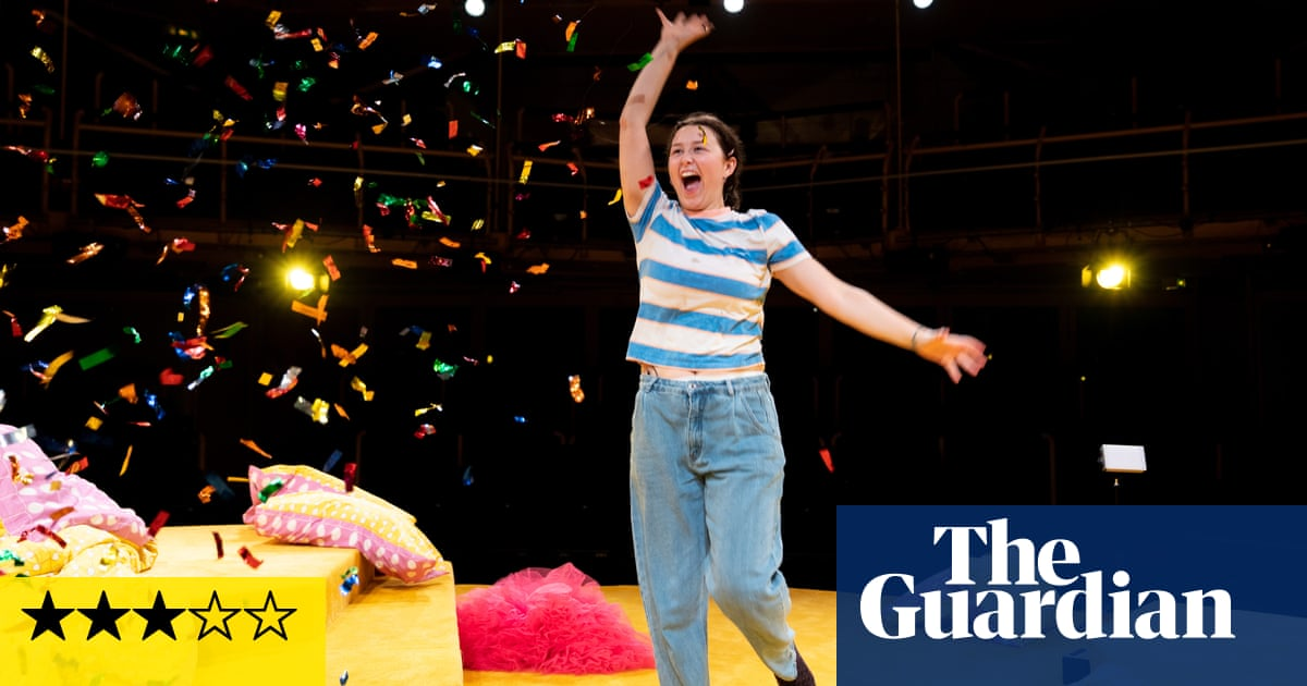 Glee & Me review –a witty look at life and how we live it