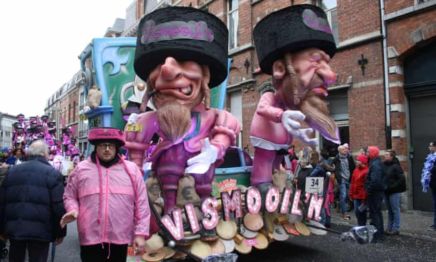 Antisemitic figures on a float at 2019's Aalst carnival.