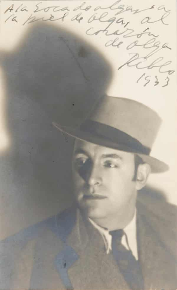 Pablo Neruda, 1933, with a message for his lover Olga.