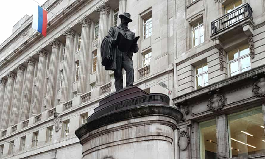 The statue of James Henry Greathead outside the Royal Exchange – complete with sneaky vents.