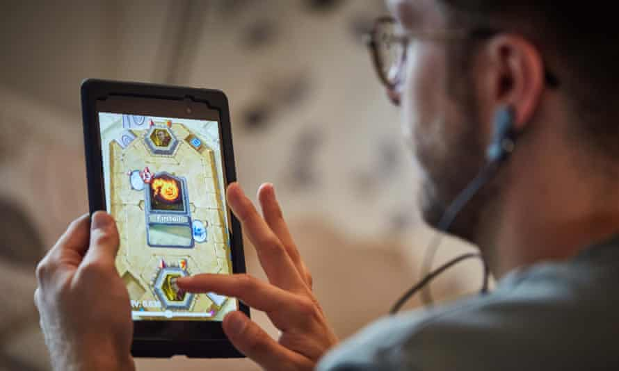 The more successfully players control their breathing, the more gems they win to spend on weapons and spells to defeat their opponents.