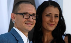 Chester Bennington S Wife Pays Tribute To Linkin Park Singer