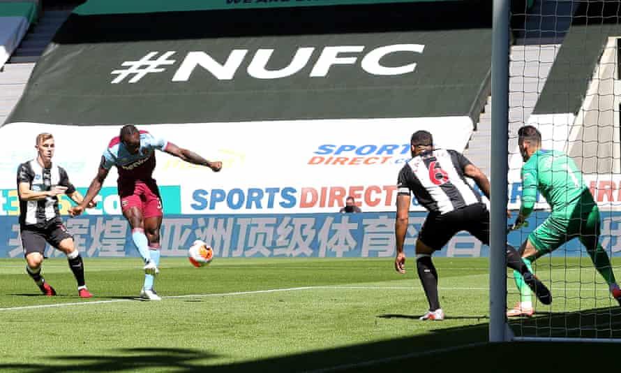 Michail Antonio opens the scoring for West Ham.