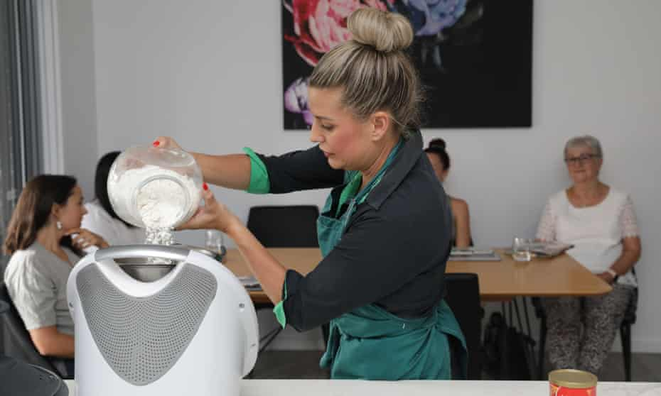 Hannah Phelps demonstrates how to make garlic pizza dough in the Thermomix