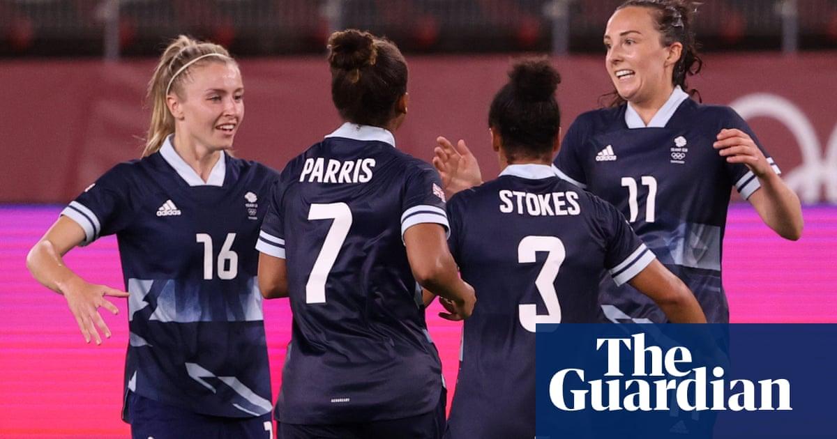 Caroline Weir's late strike takes Team GB into quarter-finals as group winners