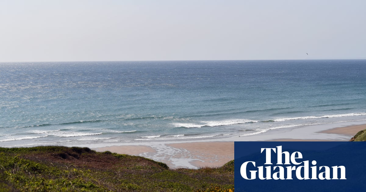 Two divers presumed dead after going missing off Cornwall