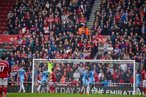 City goalkeeper Claudio Bravo collects a high ball.
