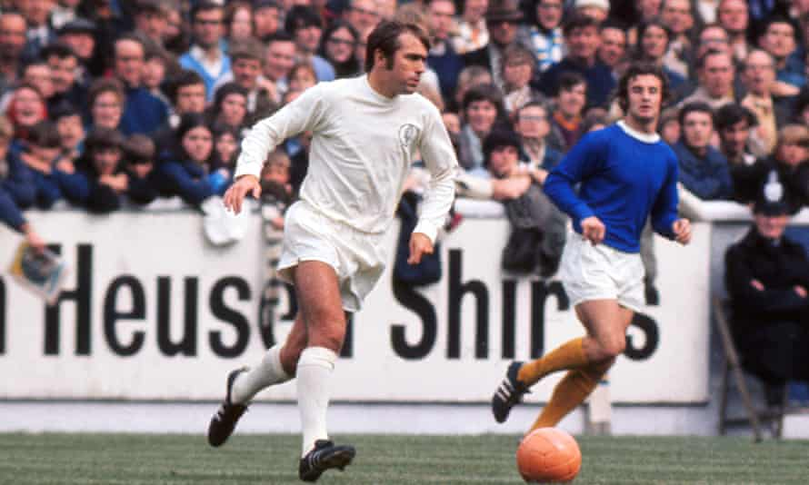 Terry Cooper in action for Leeds United against Everton in 1970.