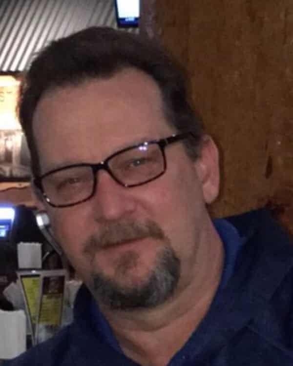 Gregory Rakoczy says he was swindled by Mugshots.com.
