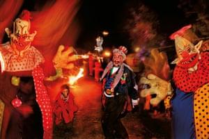 Street circus performers in the Shangri-La field.